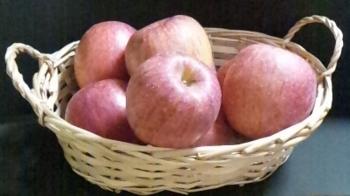 りんご籠盛り.png
