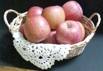リンゴ籠盛2.png